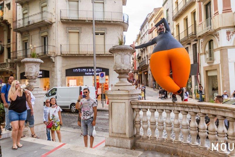 Diseño de las líneas del suelo festival de danza Figueres es Mou