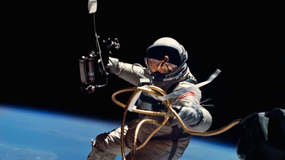Cinta adhesiva en el Espacio