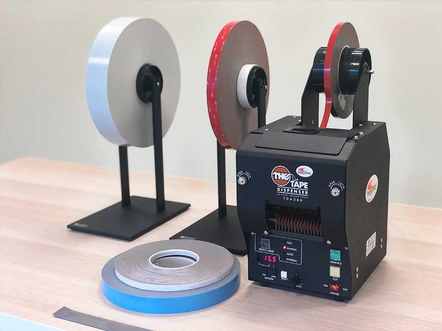 Maquina de corte automático para espumas VHB - TDA080-NS