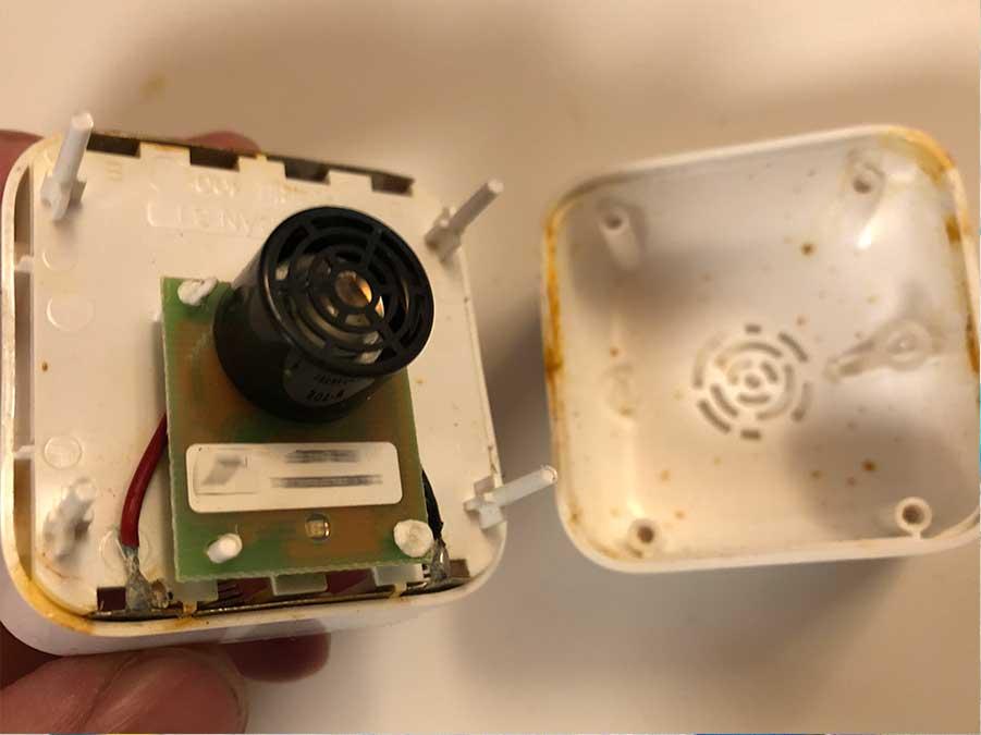 Sin una junta de sellado los equipos electrónicos pueden sufrir la entrada de líquidos y polvo