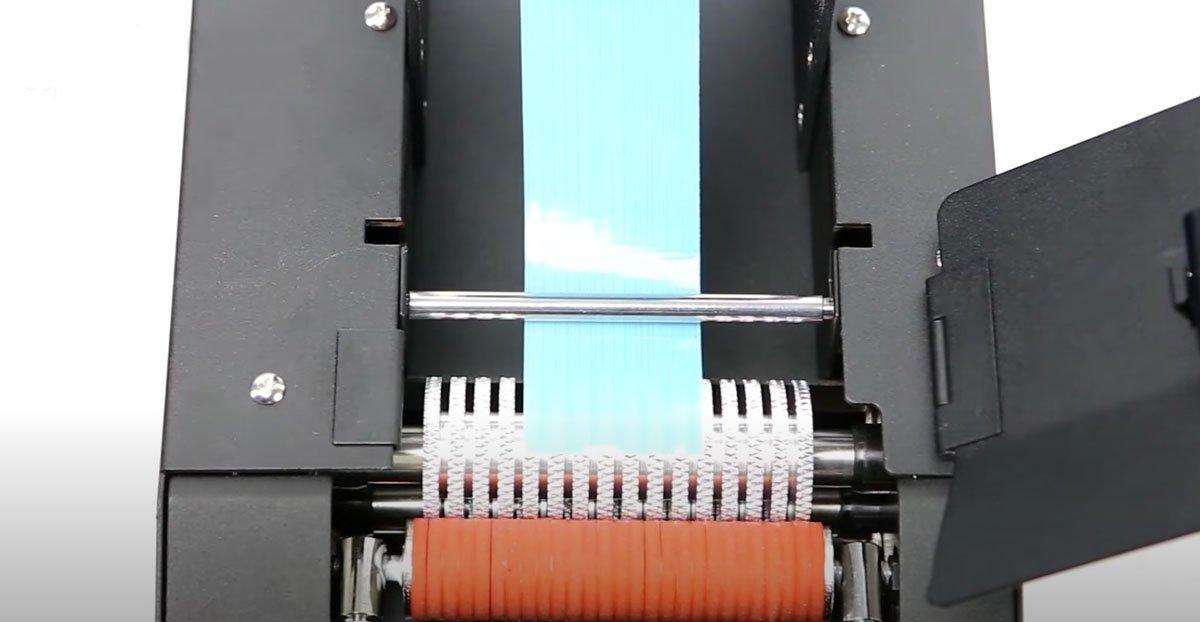 Vista en detalle del dispensador automático electrónico de cinta adhesiva start international TDA080