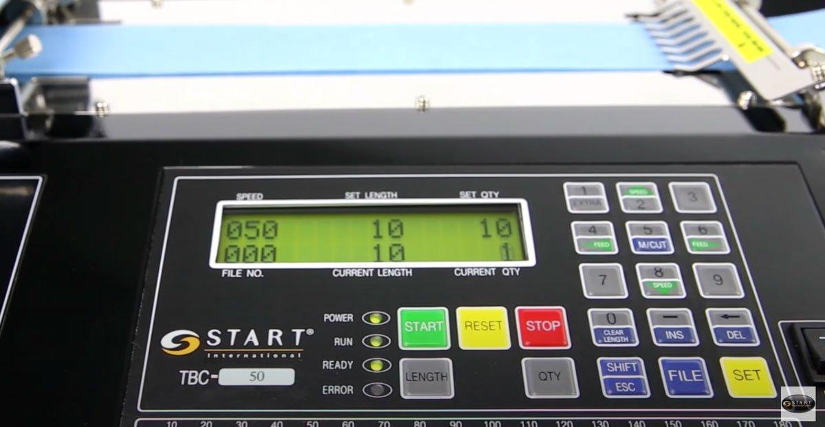 Máquina de corte de uso industrial para materiales en rollo no adhesivos como tubo termoretractil, nomex, velcro, entre otros