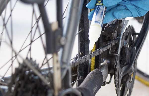 Lubricar cadena de la bici
